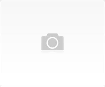 , Cluster, 3 Bedrooms - ZAR 2,500,000